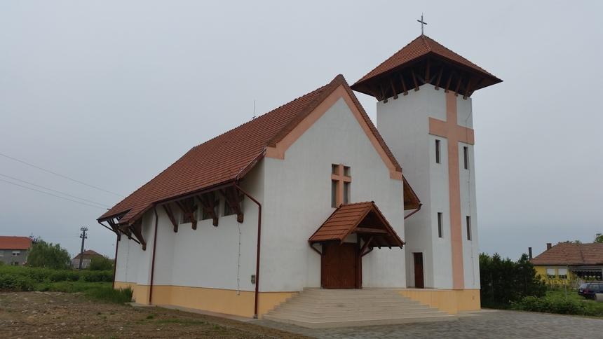 Biserica Romano-catolica Dorolt
